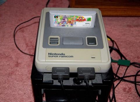懐かしい!スーパーファミコンです。セットされているのは「ぷよぷよ」ですねw